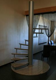 Изработка на стълби от мрамор