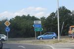 изработка по поръчка на пътни знаци за населени места
