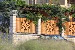 изработка на кована плътна ограда