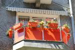 парапети за тераси от инокс и червено стъкло по поръчка