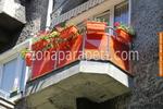 парапети за тераси от инокс и червено стъкло