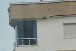 парапети за балкони от стъкло и неръждавейка