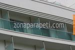 парапети за балкони от стъкло и неръждаема стомана